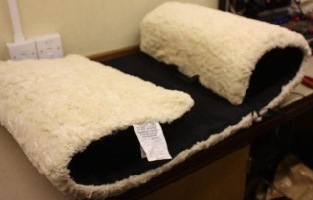 tapis masseur r versible en fausse peau de mouton. Black Bedroom Furniture Sets. Home Design Ideas